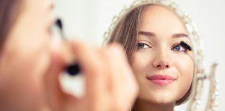 Opadające powieki – zmora wielu kobiet. Oto rady, jak wykonać makijaż korekcyjny