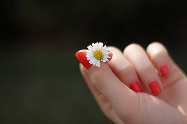 Zmiany patologiczne płytki paznokciowej